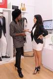 Kim Kardashian (Ким Кардашьян) - Страница 5 Th_88410_KimKardashian_shops_at_the_eBay_Holiday_Store_44_122_1110lo