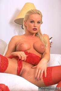 Sylvia saint lingerie