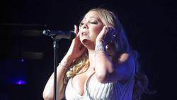 Hot Celebrity & Photoshoot Vids - Page 4 Th_364198417_mc4_122_256lo