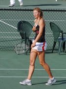 http://img133.imagevenue.com/loc464/th_441322910_Sharapova_training_2006_11_122_464lo.jpg