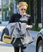 http://img133.imagevenue.com/loc474/th_202595255_Hilary_Duff_out_and_about_in_LA1_122_474lo.jpg