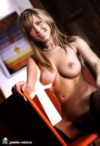 th 526221737 JakSparoJenniferAniston01 123 480lo Jennifer Aniston Fake and Sex Picture