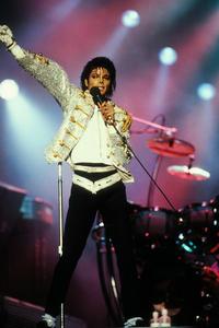 1984 VICTORY TOUR  Th_754004926_6884030094_8dd84806b1_b_122_575lo