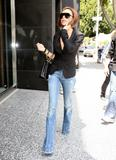 Pictures of Victoria wearing dVb denim (capris, jeans ..) Th_73800_celeb-city.org_Victoria_Beckham_shopping_kitson_008_122_645lo